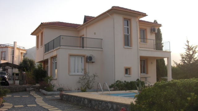 Villa Чаталкой 3+1 Гирне